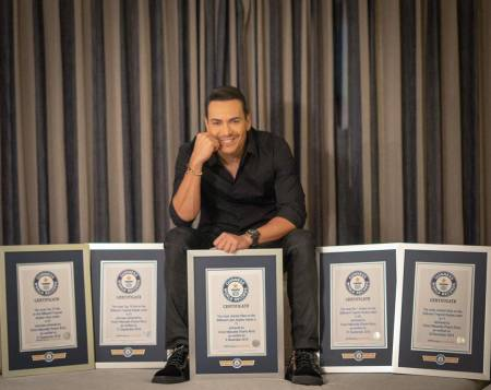 Victor Manuelle recibe 5 premios Guinness