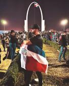 Artistas abanderados de las protestas en la Plaza de la Bandera